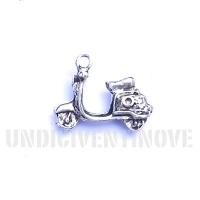 MOTO 006 ciondolo argento vespa lambretta scooter silver charm 1129 18x15mm